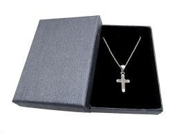 Naszyjnik srebrny z krzyżykiem